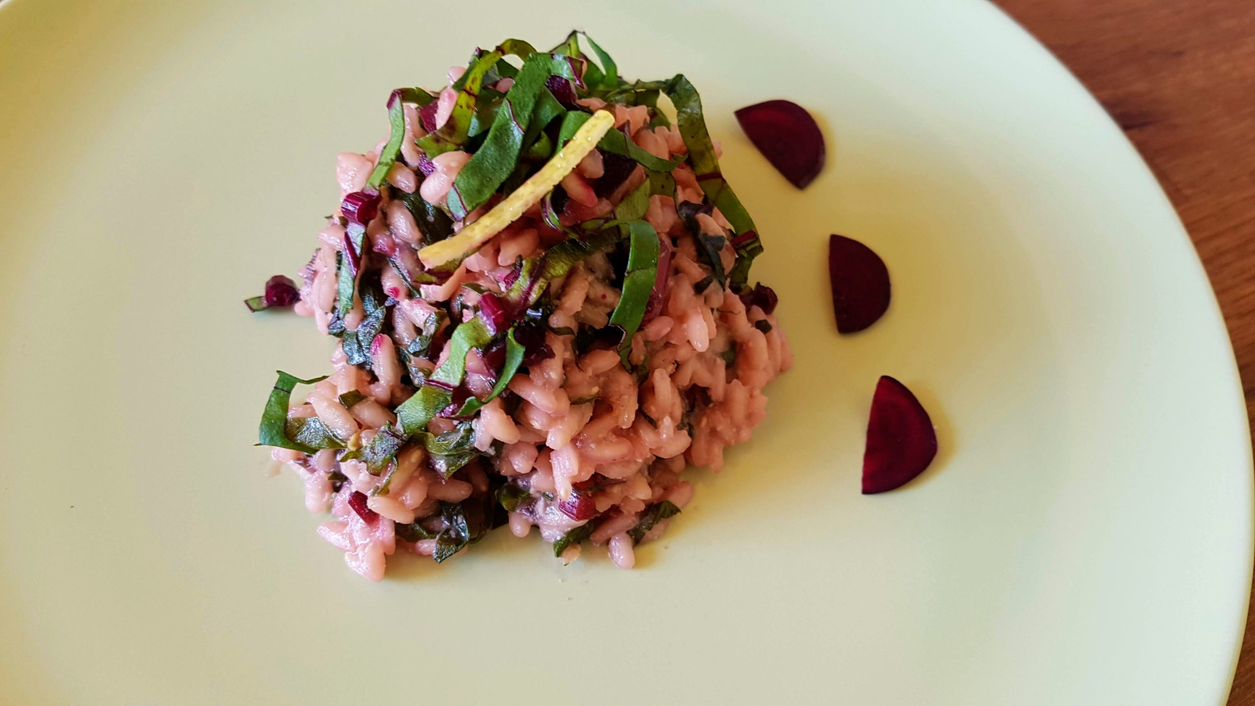 Beetroot leaves risotto, flavored with lemon